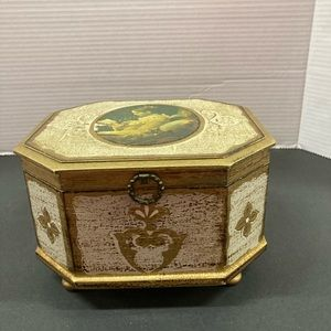 Vintage musical jewelry box